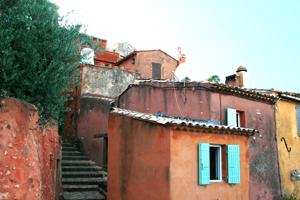 maisons ocres roussillon