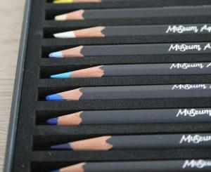 images de crayons de couleur