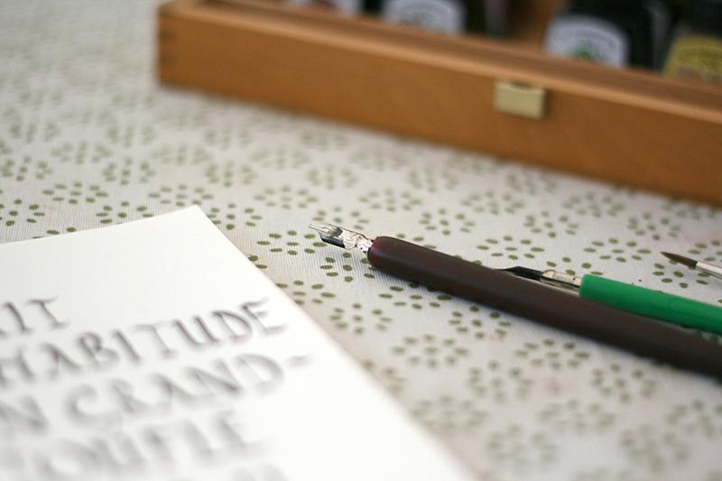 plumes et porte-plumes pour calligraphie