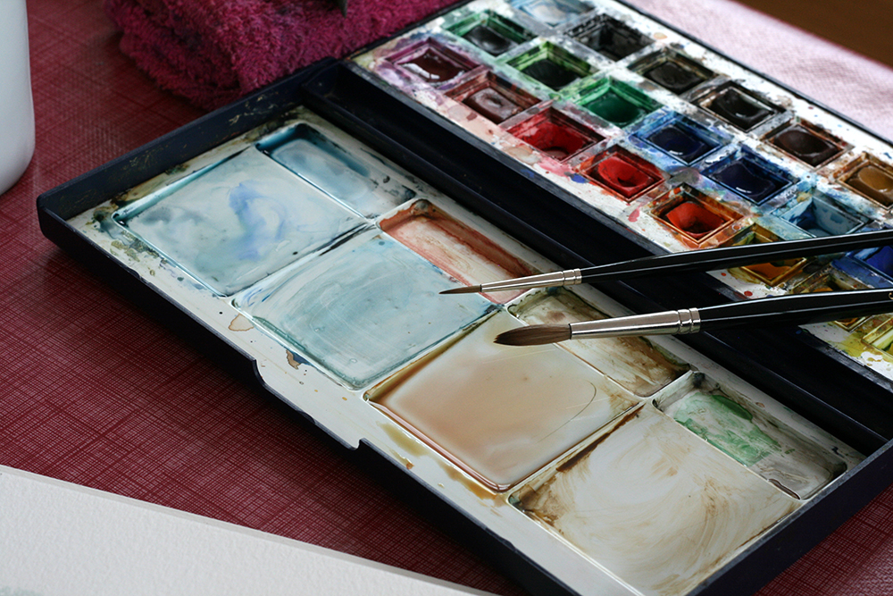 Taille 2 et taille 6 du pinceau Maestro Série 10 et coffret d'aquarelle Winsor & Newton